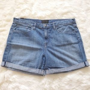 VINCE MASON RELAXED ROLLED DENIM SHORTS